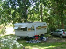 Retro and vintage onsite caravan accomidation at Grampians Paradise Camping and Caravan Parkland
