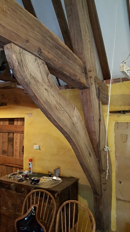 Traditional Timber Framed Building built with nateral curved timber including Australia Hardwoods. Built by Rob Hadden